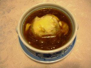 桑ぱんバケットを使ったオニオンスープ