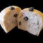 丹波の黒豆入りプチパン・ド・ミ  180円 黒豆の優しい甘さが魅力